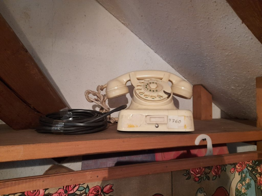Bild von einem alten Telefon